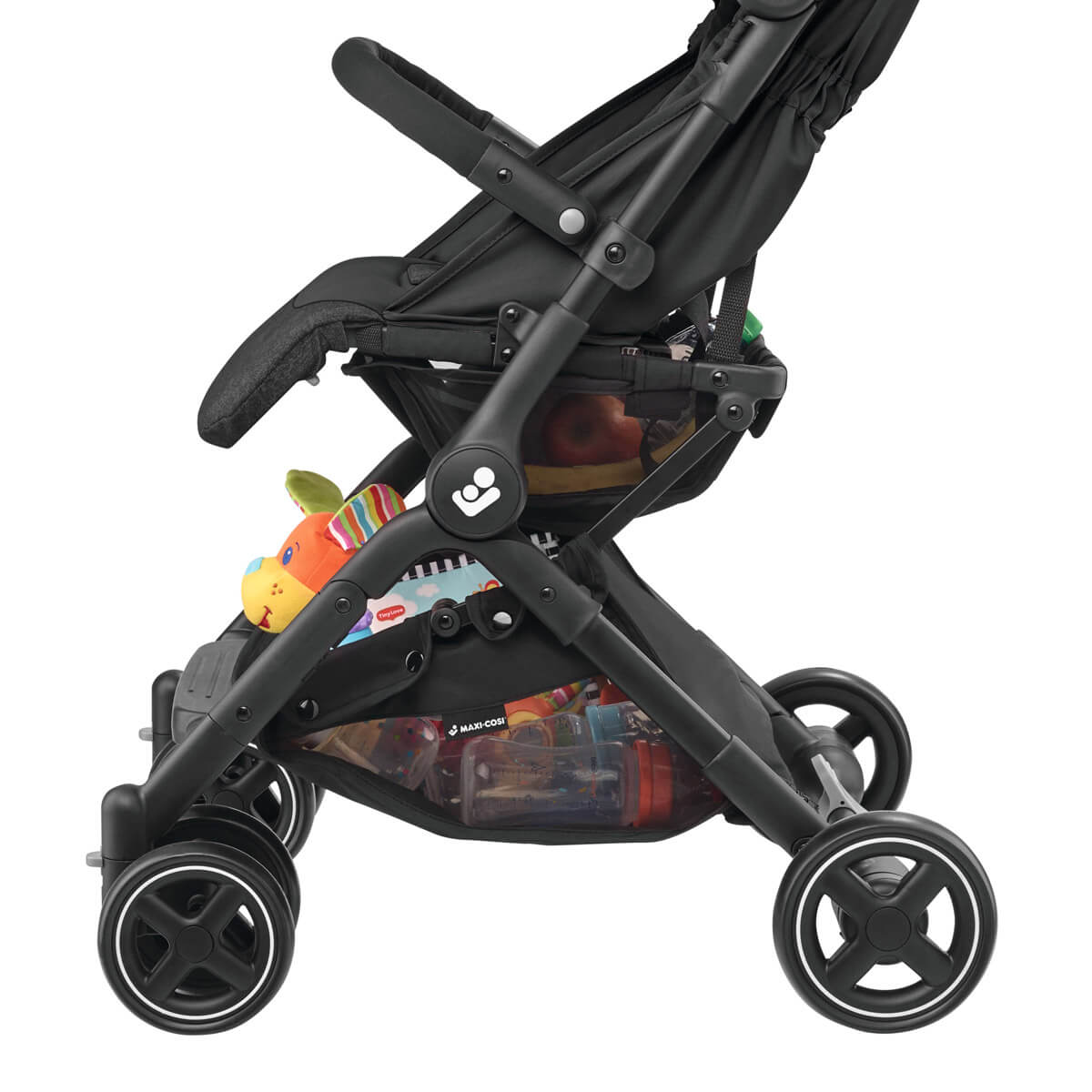 Lara stroller provides maximum storage and easy access to parents' belongings with two shopping baskets